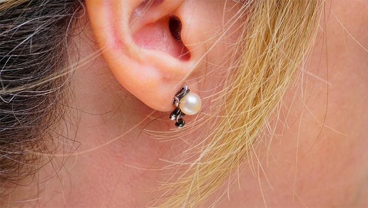 9d81ccbbb651 Si todavía no tienes tus pendientes de perlas más rompedores